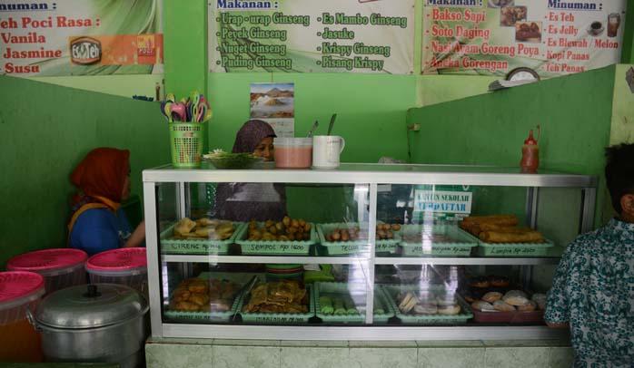 Kantin Bebas 5P dan Zero Waste ala SMPN 11 Surabaya