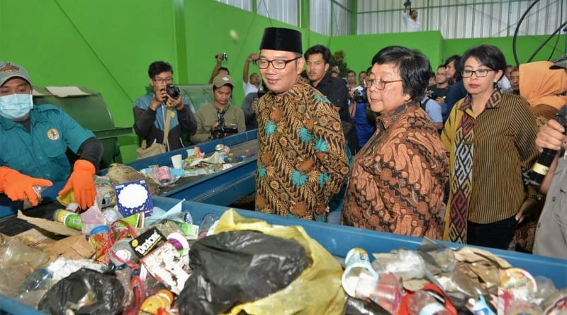 Menteri LHK Resmikan Fasilitas Pengelolaan Sampah di 6 Kabupaten/Kota DAS Citarum
