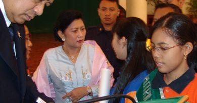 Kenangan Indah Tunas Hijau Bersama Bu Ani Yudhoyono di Istana Negara 2004