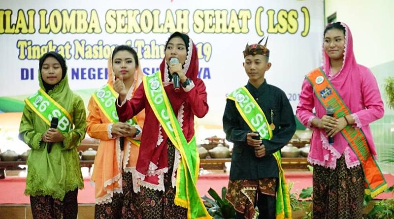 Penilaian Lomba Sekolah Sehat Nasional di SMPN 26 Surabaya