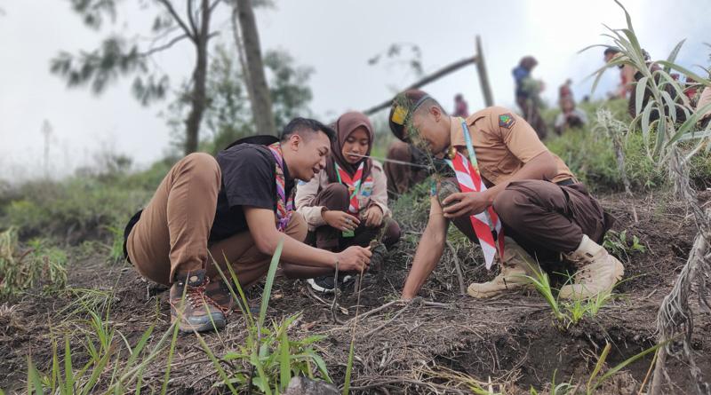 Taman Nasional Bromo Tengger Semeru Dihijaukan