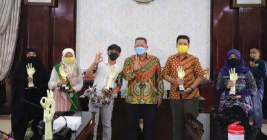 40 Penghargaan Terbaik Surabaya Eco School 2020 Diserahkan