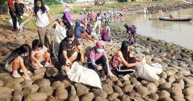 Bersih Pantai Suramadu Pekan 28 Jelang Ramadhan