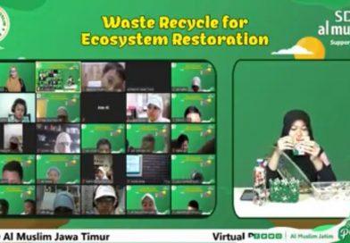 Puteri Lingkungan 2020 Estetia Ajari Daur Ulang Saset Siswa SD Al Muslim